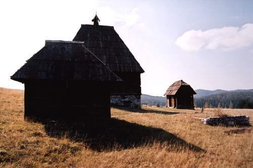 Ethno village de Kaludjerske Bare Parque Nacional Tara na Sérvia